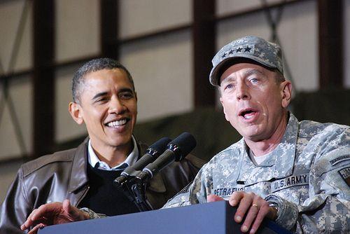 President Obama & General Petraeus | BAGRAM AIRFIELD, Afghan… | Flickr