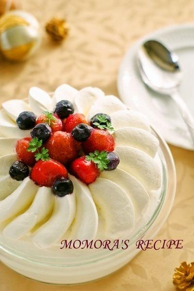 市販のスポンジで超簡単お菓子♡ナッペ&口金も不要のデコレーション♪苺のショートケーキ風スコップケーキ♡クリスマスに