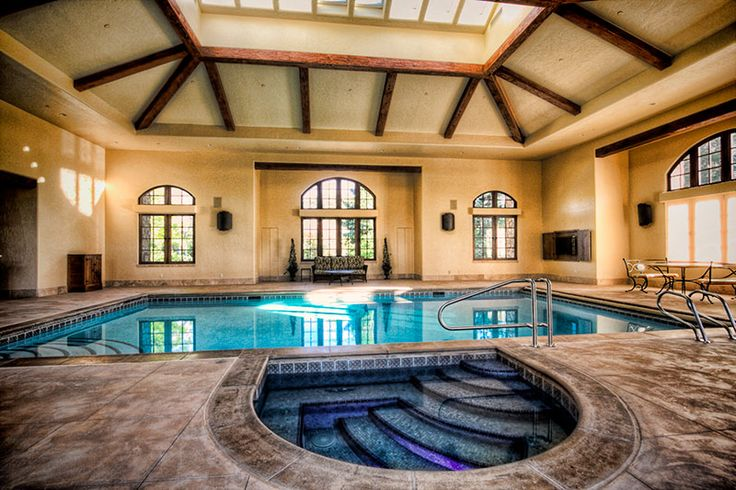 Beautiful geometric indoor pool and spa by Aquality Construction, Denver, CO http://www.luxurypools.com/swimmingpoolbuilder/Aquality-Construction