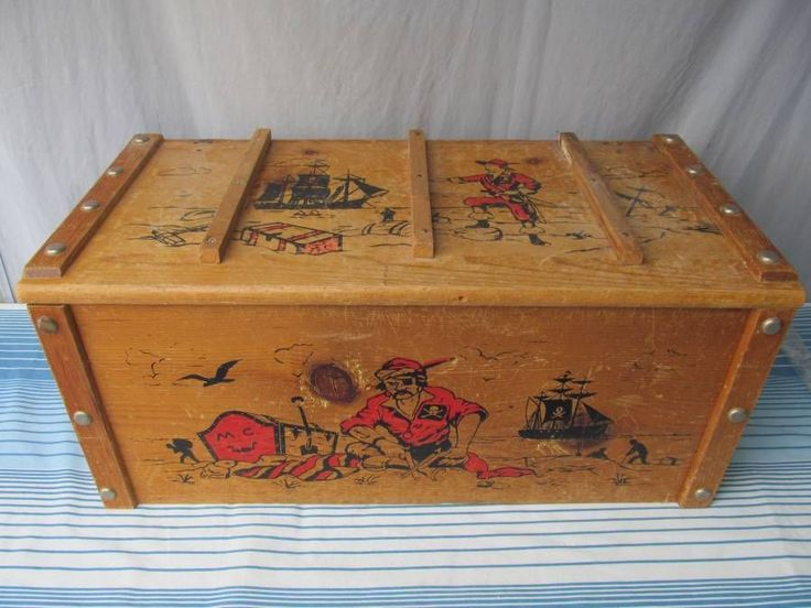Toy Treasure Chest Beach : Vintage wood pirate treasure chest toy box