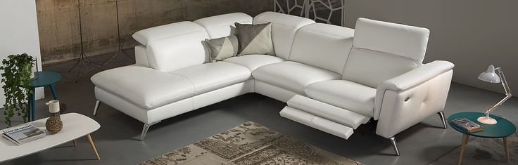 Delta Salotti Extremely careful selection of leather upholstery and the possibility of removing the parts of the sets of seats to the back makes the product durable and easy to reflect.