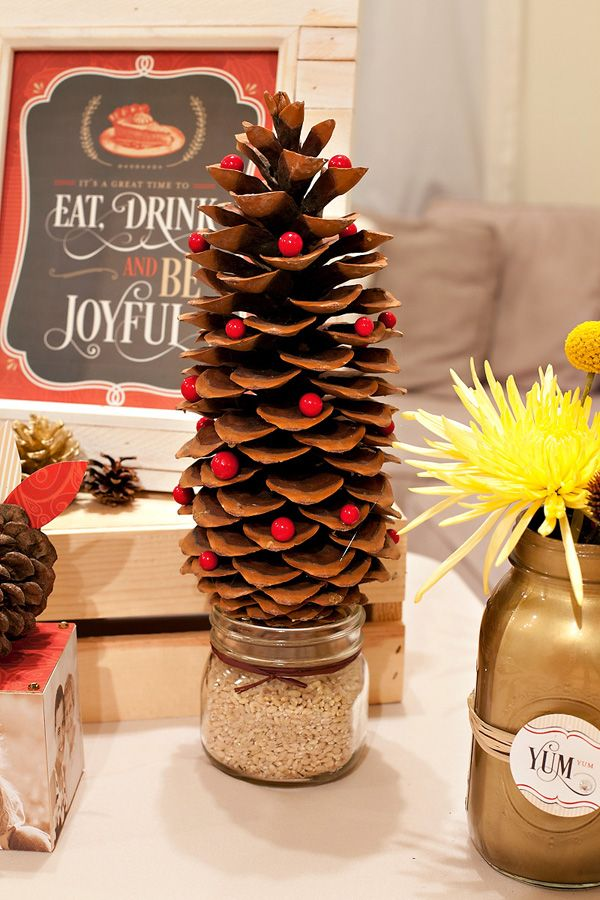259 best holiday inspirations images on pinterest for Pine cone tree decorations