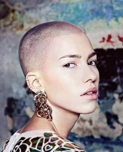#buzzed #headshave #shavedhead #buzzcut #hairfashion #hairstyle #hairdesign #hairart #shaved #shorthairdontcare #shorthair #shorthaircut #rasiert #bald #rasatura #rasata #rapado #rapada #careca #fashionista #fashion #trend #trendy #style #cool