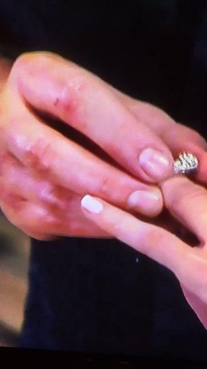 Drew putting on Sams engagement ring | NuJasam/Billy Miller/Kelly ...
