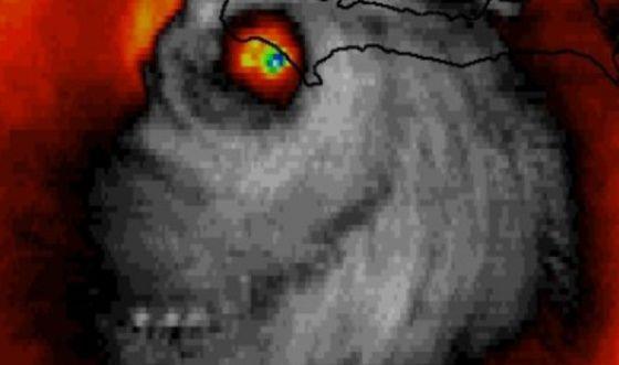 La foto del huracán Matthew con forma de calavera   Verne EL PAÍS