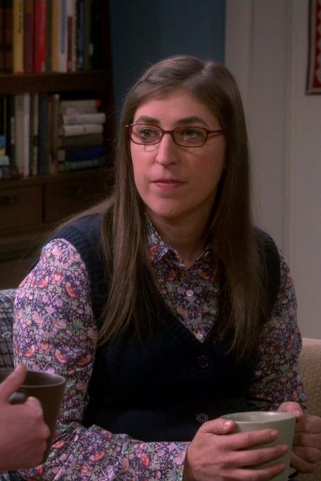 Amy Farrah Fowler wearing  Simon Carter Liberty Print Birds Shirt