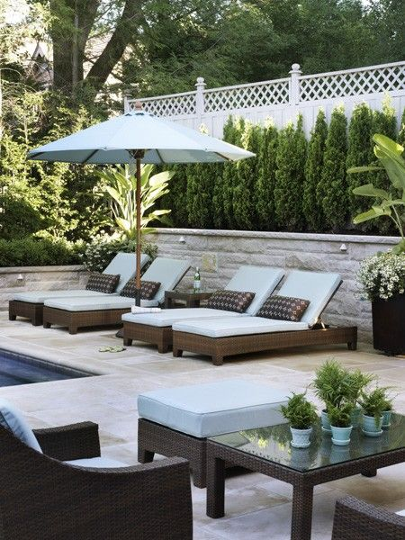 Poolside private oasis. Design by : Artistic Gardens. Photo by Donna Griffith. From Canadian House and Home.