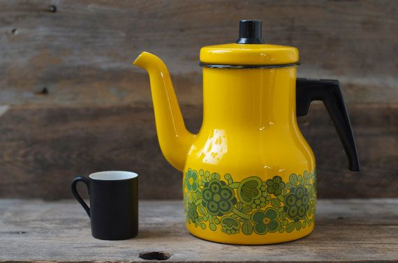 Arabia Finel Raija Uosikkinen enamel coffee pot