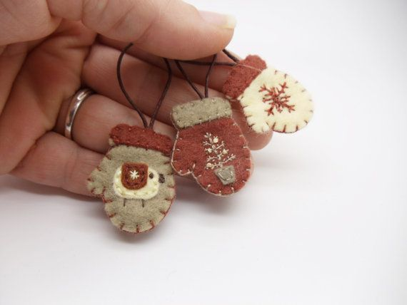 Miniature Primitive Felt Mitten Ornaments, Primitive Sheep, Primitive Felt Ornies, Primitive Mini Ornaments