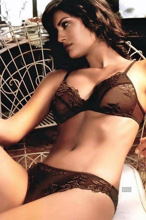 Yamila Díaz : Yamila Díaz-Rahi ist ein argentinisches Model spanischer Abstammung.
