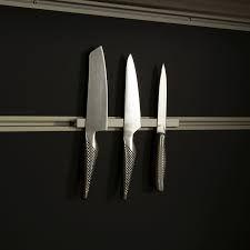 Bilderesultat for kniver på vegg