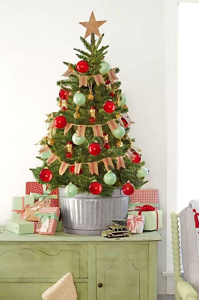 25 Beautiful Christmas Mini Tree Ideas On The Table Small Christmas Trees Decorated Mini Christmas Tree Decorations Cool Christmas Trees