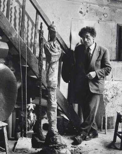 Alberto Giacometti dans son atelier. 1954. Denise Colomb