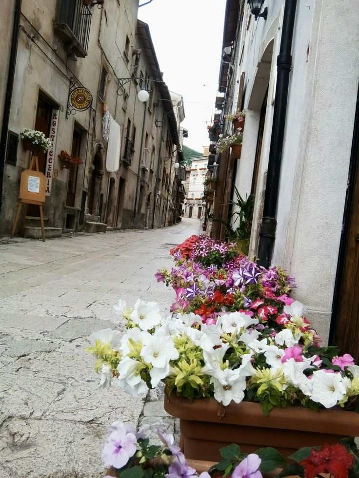 Picturesque alleys in the town of Scanno