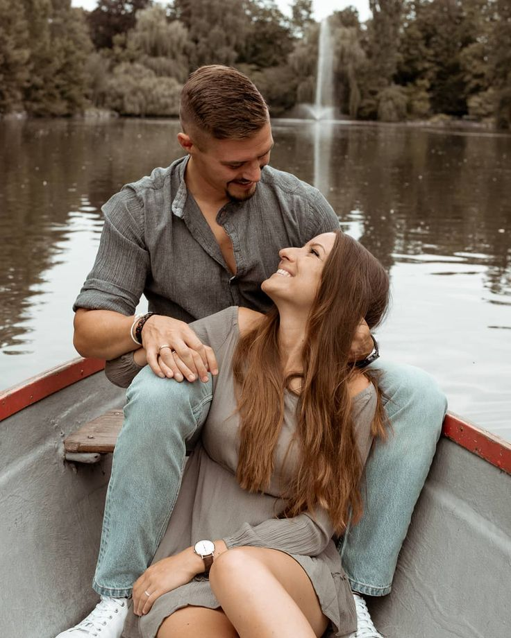 Love is in the air…🌹 #couple #couplegoals #smile #love #photooftheday