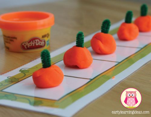 fall fine motor activities - playdough-pumpkins - Seven fun and exciting ways to work on fine motor skills this fall.  Halloween themed fine motor activity ideas for preschool,pre-k, kindergarten, tot school, and early childhood education.