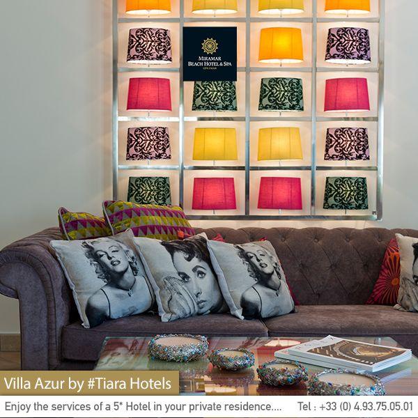 Your private villa's living room on the French Riviera. Le salon de votre villa privée sur la Côte d'Azur.