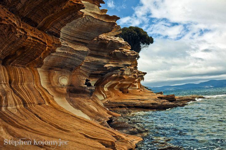 Painted Cliffs, Maria Island (Tasmania, Australia)