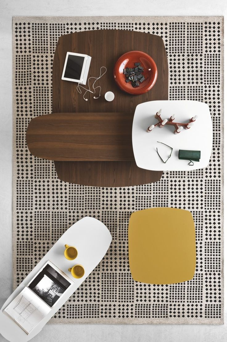 The rug composition is a blend of cotton, acrylic chenille and polyester. AFRICA is perfect to add a contemporary, ethnic touch to your home. #calligaris #toronto #code