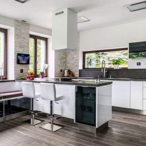 Kuchyně / Kitchen / FUTURO WHITE