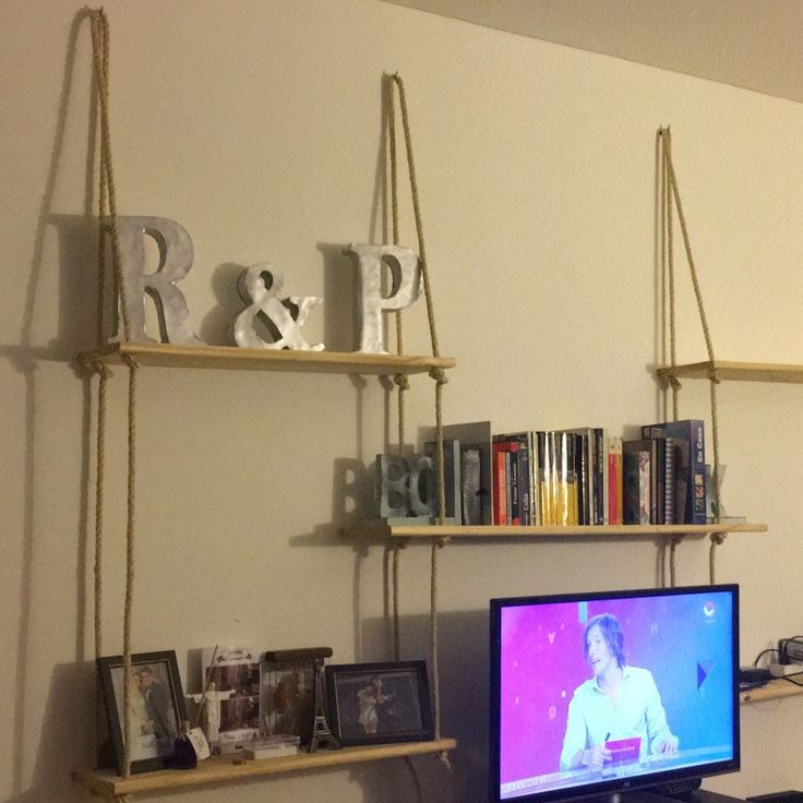 Estantes flotantes con sogas // Rope Shelves
