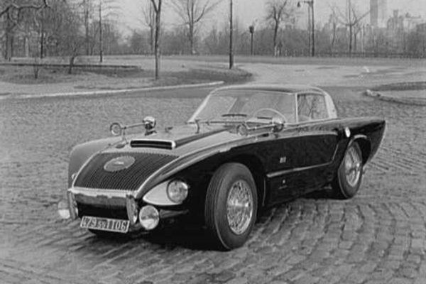Sorry state, Winner of the Fickle Finger of Dud Car Stylist, Raymond Loewy Jaguar coupé - 1956