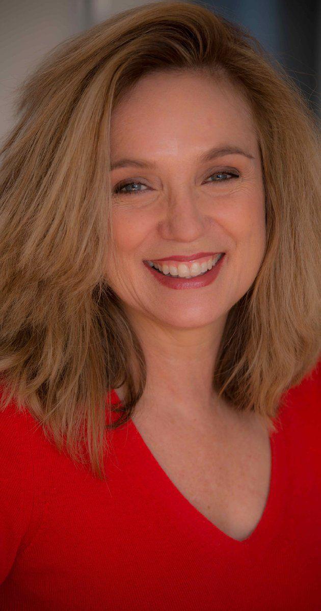 Marion Bartlett Fleming (Lisa Langlois).