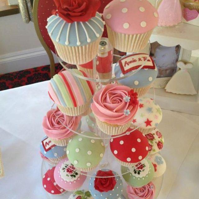 Cath kidston cupcakes!: Cute Cupcakes, Pretty Cupcakes, Cupcakes Ideas, Cupcakes Decor, Cath Kidston Inspiration, Cath Kidson Cupcakes, Cakes Cupcakes, Cupcakes Cakes, Cath Kidston Cupcakes