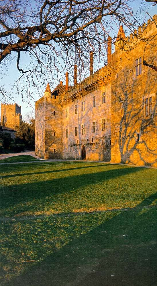 Castle and Palace od the Duke of Bragança, Guimarães. Portugal #PORTUGALmilenar