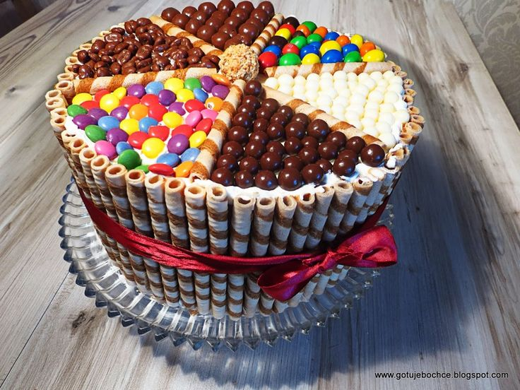Przepiękny tort tęczowy