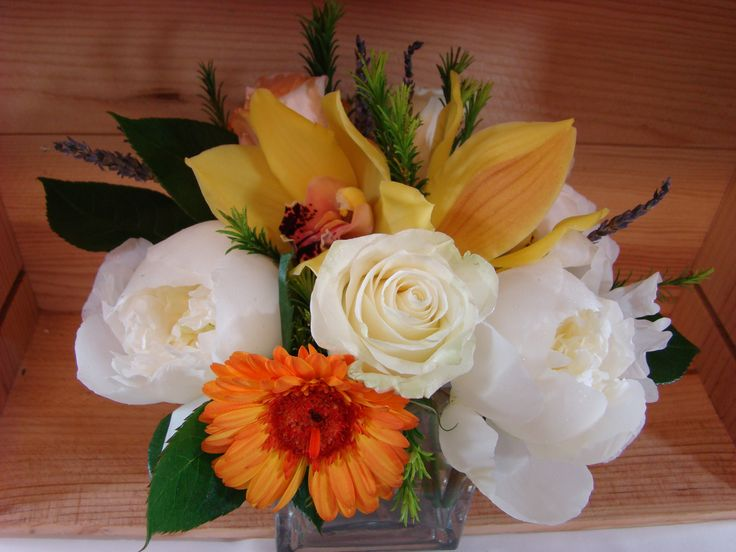 Adding a little touch of  exotic and tropical flowers will create a big impact for your special event!  www.plushflowers.ca