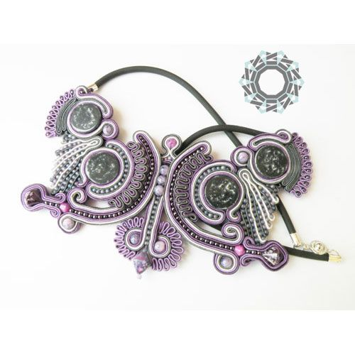 For Tender December Slow Design is a process of careful designing and meticulous fabrication of unique objects. See how this item was made Simple soutache / Prosty sutasz  Slow Design wg Tender December to proces starannego projektowania, a następnie pieczołowitego tworzenia unikatowych przedmiotów. Zobacz inne prace soutache Simple soutache / Prosty sutasz