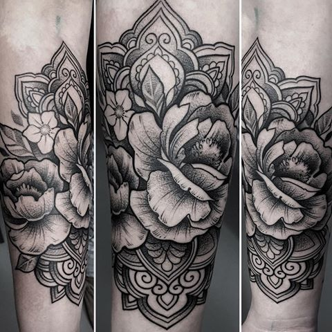 The 25 best line work tattoo ideas on pinterest for Tattoo line work