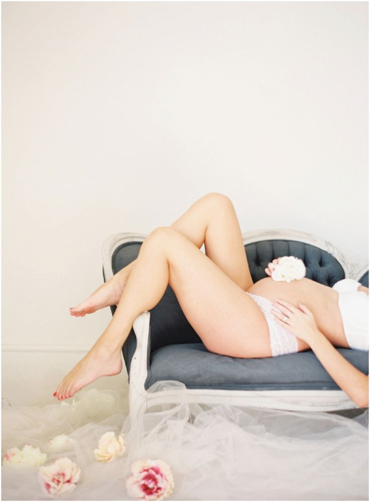 An Intimate Film Maternity Collection   By Kayla Barker Fine Art Phography