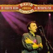 """Año: 1998  Este doble álbum en directo fue grabado en su mayoría en Teatro Metropolitan de México. El disco recoge también momentos íntimos de la gira. """"Te Necesito"""" y """"Si no te tengo a ti"""" están grabadas en directo pero sin público. Además, la extensa gira americana permitió a David realizar nuevas pruebas y grabaciones, que en el disco están representadas con """"Tu y Yo"""" y """"Temblando"""", adaptaciones totalmente distintas al original. Fue mezclado y producido por Nigel Walker."""