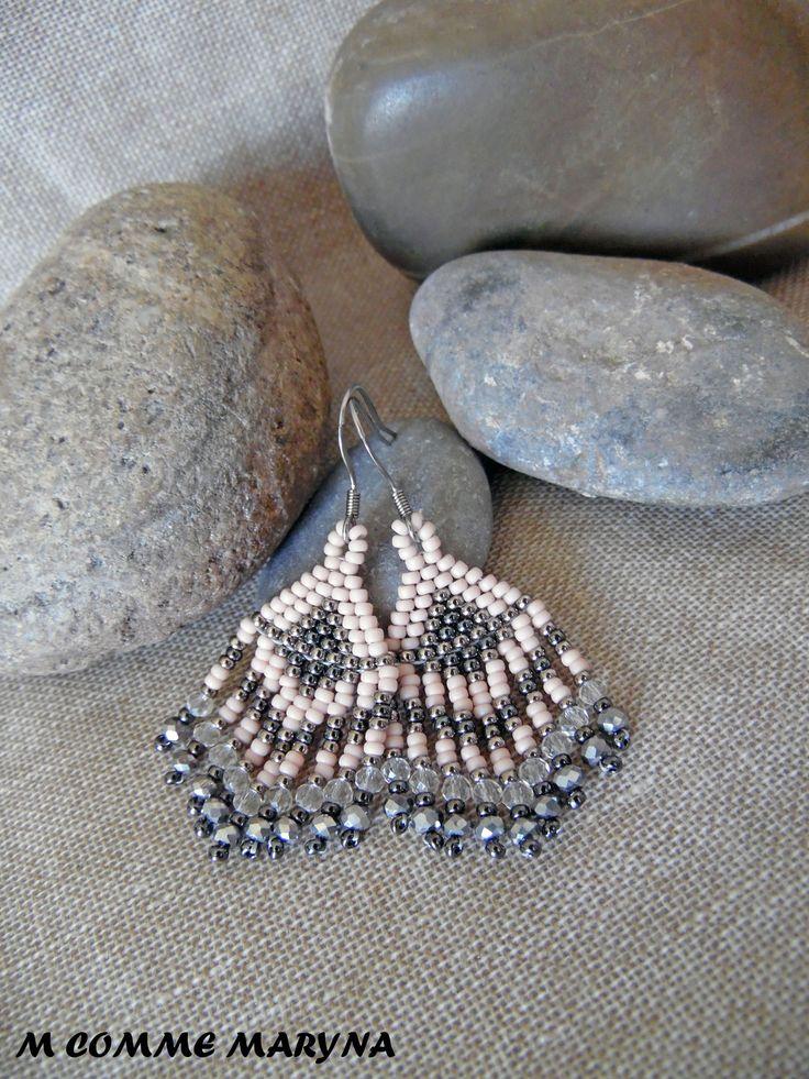 RÉSERVÉES!!! Mini modèle boucles d'oreilles perles Miyuki tissée main Bohostyle Bohemian Bohochic indien huichol Argernté : Boucles d'oreille par m-comme-maryna