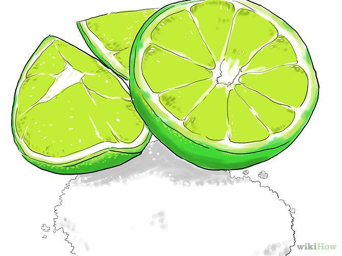 Enlever la rouille : Essayez le citron vert et le sel. Saupoudrez la zone rouillée de sel pour qu'elle soit recouverte puis ajoutez du jus de citron vert par-dessus. Utilisez autant de jus que possible et laissez poser deux ou trois heures avant de commencer à frotter. Utilisez la peau du citron pour frotter et enlever la rouille. Elle est suffisamment résistante pour retirer la rouille, mais aussi assez douce pour ne pas abîmer le métal. Vous pouvez aussi utiliser des citrons jaunes au lieu…