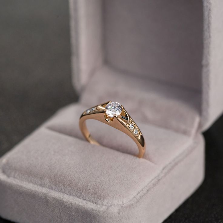 pinterest - Crystal Wedding Rings
