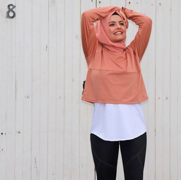 19 Ways To Wear Crop Tops Outfits Outfitcafe Crop Top Outfits Wear Crop Top Crop Top Fashion