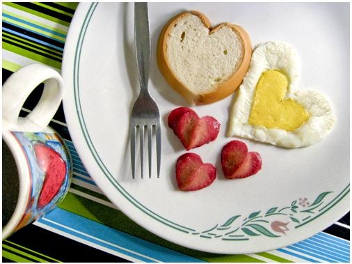 Hearty breakfast. Cute but would prob get cold by the time I finished everything.