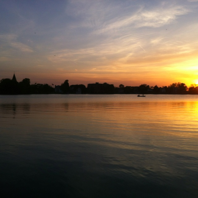 Oconomowoc sunset, fowler park. Photography by Geoff Butz