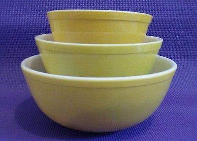 Pyrex #402 #403 #404 Yellow Nesting Bowls Mixing Ovenware