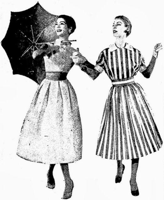 """ANOS DOURADOS: IMAGENS & FATOS: Novembro 2013 - 1957 Vestidos para o calor. O da esquerda. com pregas soltas na saia, cinturão franzido e blusa lisa. O outro, um modelo """"chemisier"""" de algodão, com listras brancas e azuis. Notar o cinto, a gola e as mangas."""