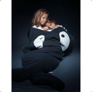 Uimodståelige lækker soveposer fra spanske Babybites nu også til junior i alderen 2-6 år. Soveposen er håndlavet og er formet som en spækhugger