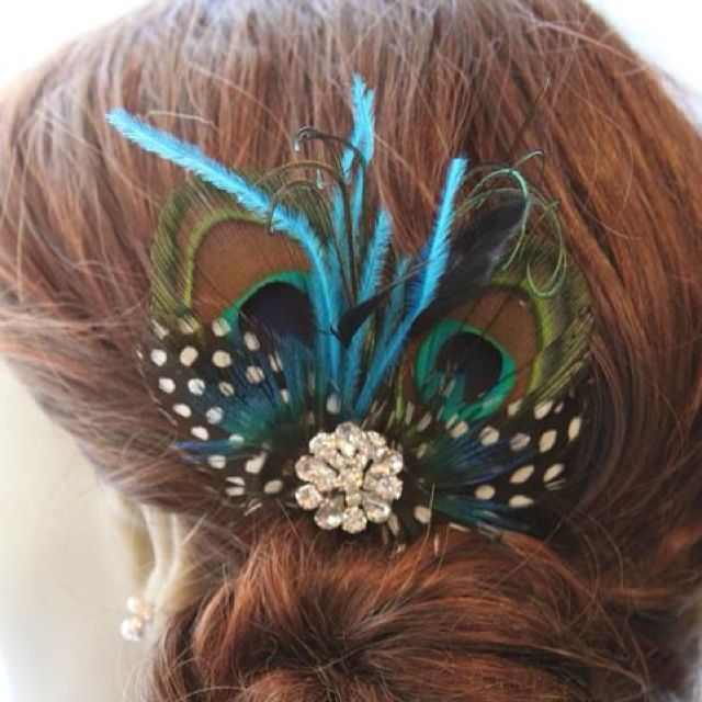 Peacock hair pin--I'd love to wear this somewhere!! I like this for you girls to wear :)