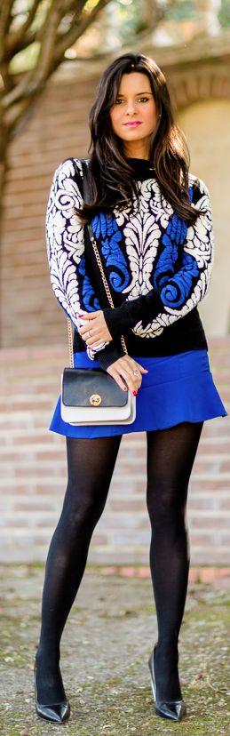 Look azul y negro Crimenes de la Moda - Blue, black & white look - bolso Stella Rittwagen bag - jersey Sheinside sweatrer - falda Choies skirt
