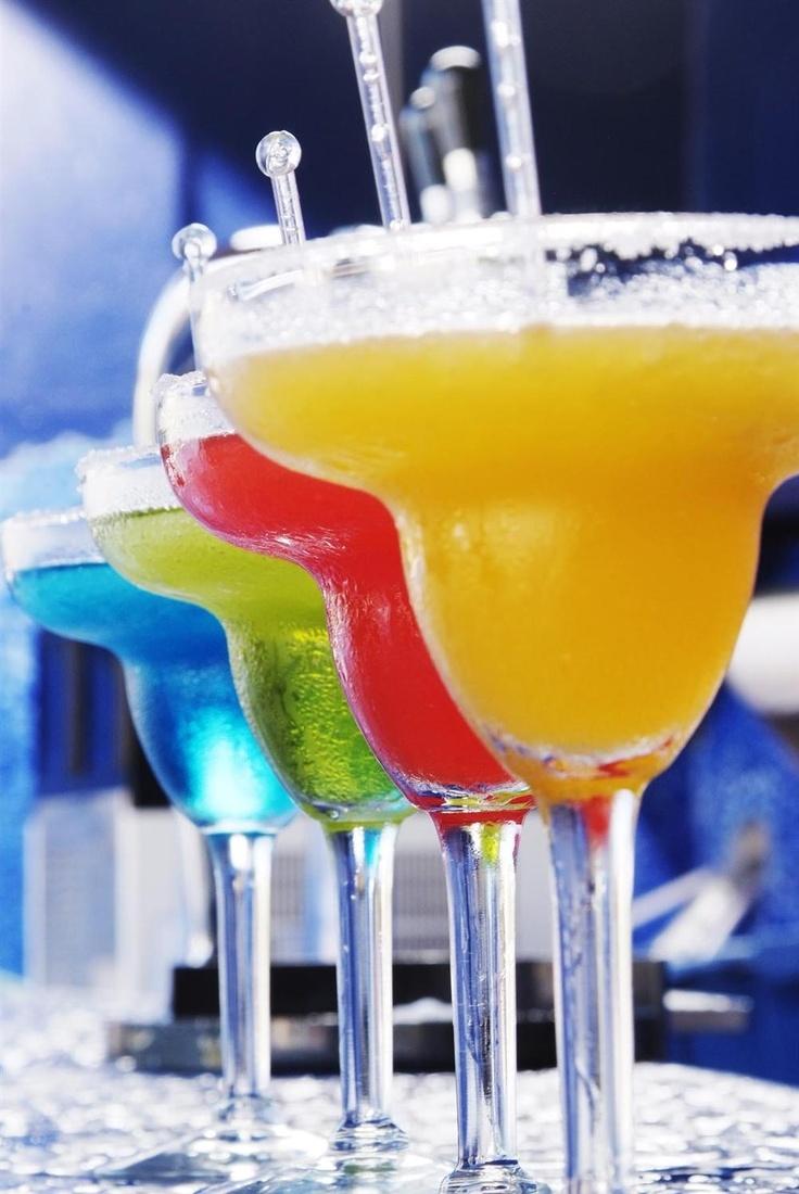 pictures of tropical outdoor poolside bar designs | Sandos Caracol Eco Resort & Spa