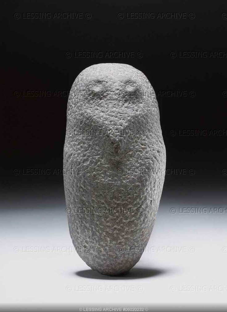 NEOLITHIC SCULPTURE 3RD-2ND MILL.BCE Stele,owl,grey stone, 13 x 7 cm From Algeria.