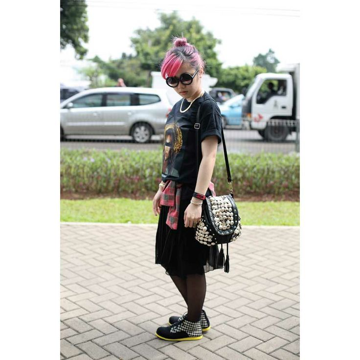 Indonesia fashion Blogger Gabrielle Olivia wears Yello clair