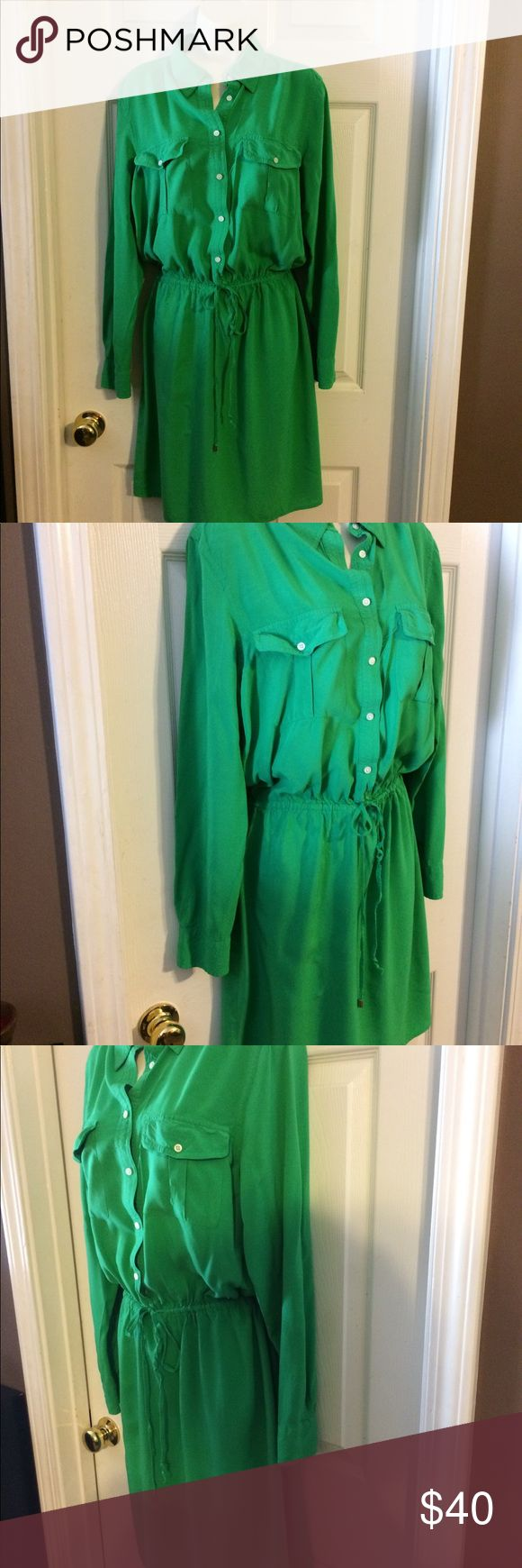 Lauren Ralph Lauren shirt dress size 14. Lauren Ralph Lauren size 14 Emerald green shirt dress long sleeves with buttons, 2 chest patch pockets, shirt tail hem, waist cinch belt, there is a missing gold tip on one, button front top closure, pleat in the back, excellent used condition can be worn with sandals, heels or boots dressed up or down with a quality item like this you can wear it however you want to! Lauren Ralph Lauren Dresses
